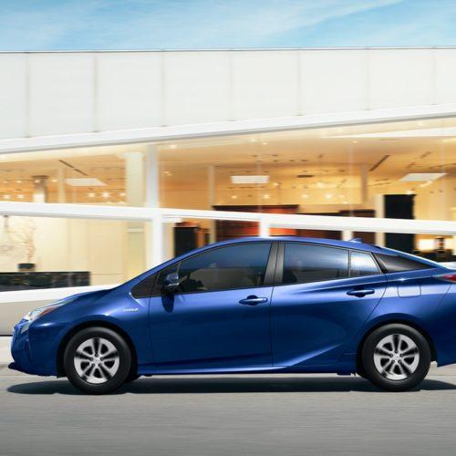 180305 Toyota Prius bok