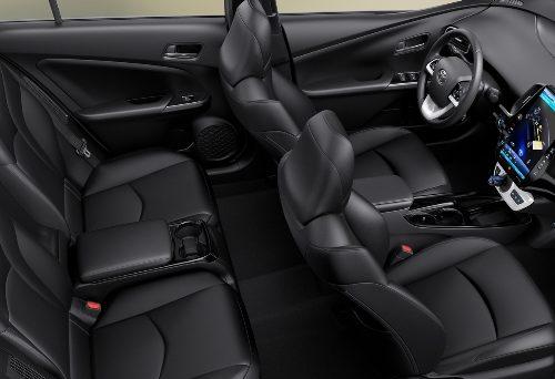 180305 Toyota Prius interier