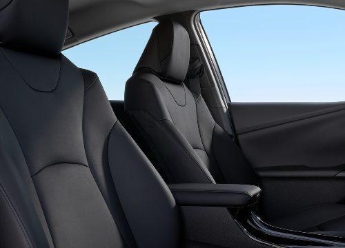 180305 Toyota Prius interierpr