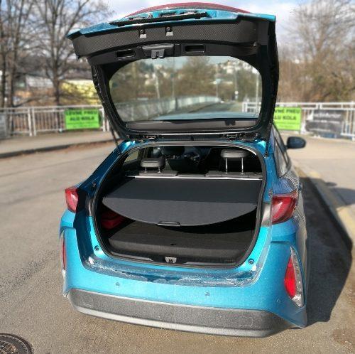 180305 Toyota Prius kufr