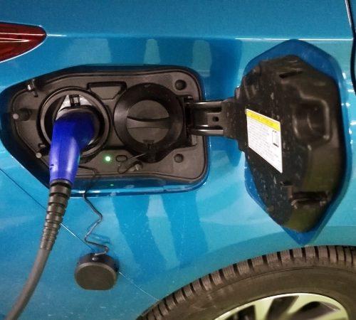 180305 Toyota Prius nabíjení3