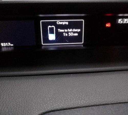 180305 Toyota Prius nabíjení5