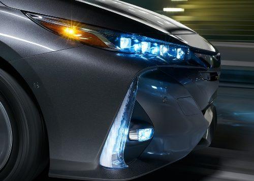 180305 Toyota Prius svetla