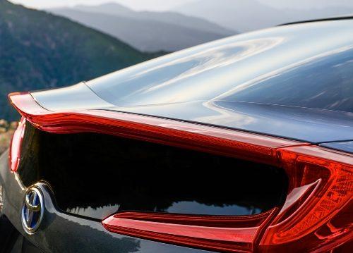 180305 Toyota Prius zad