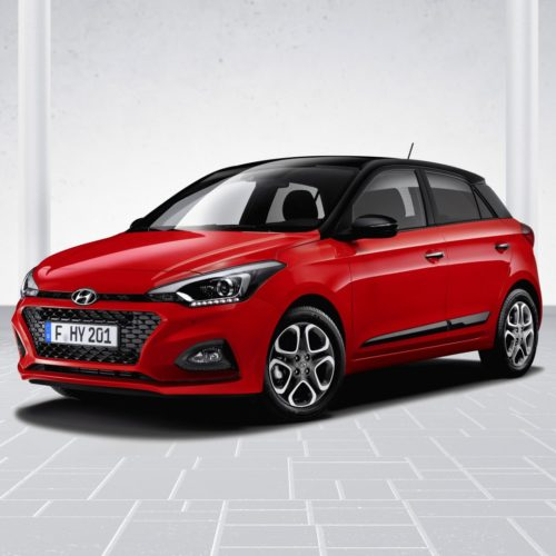 Hyundai_i20_Facelift_3_4_Front_red_01