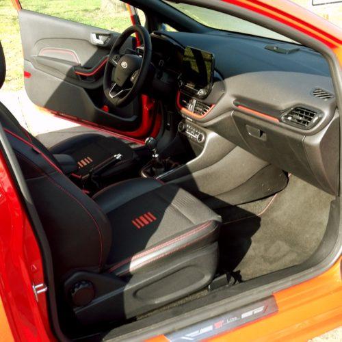 Ford Fiesta int5