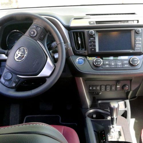 Toyota RAV4 Hybrid kufr4
