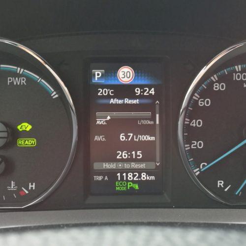 Toyota RAV4 Hybrid pristrojovka1