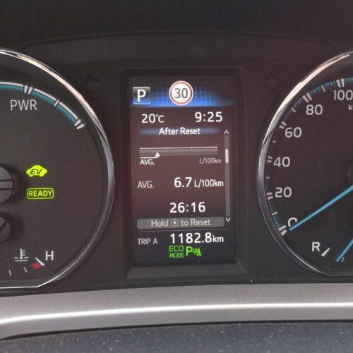 Toyota RAV4 Hybrid pristrojovka4