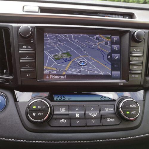 Toyota RAV4 Hybrid pristrojovka6