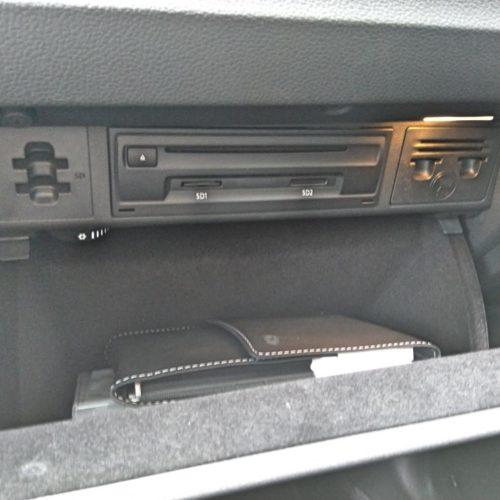 180618 Volkswagen Golf Sporstvan přístrojovka schránka vpravo2