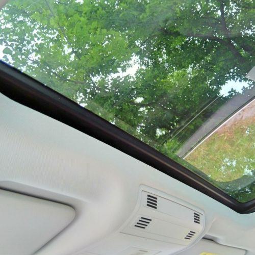 180618 Volkswagen Golf Sporstvan střešní okno zevnitř2