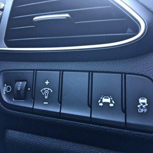 180716 Hyundai i30 nastavení světel detail