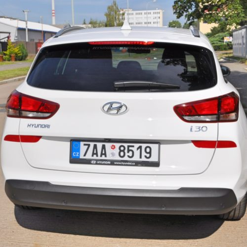 180716 Hyundai i30 zezadu