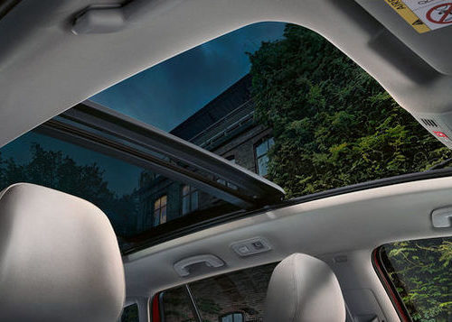 VW Golf-panoramic-sunroof