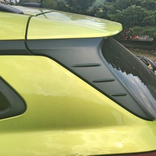 Hyundai KONA zadní sloupek