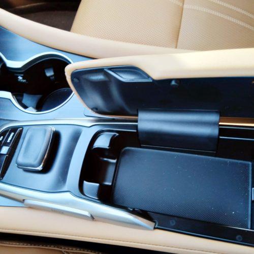 Lexus 450RhL středový panel opěrka