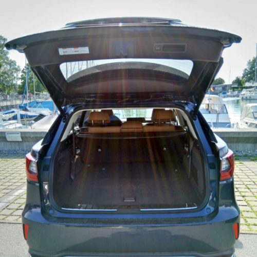 Lexus 450RhL zezadu kufr