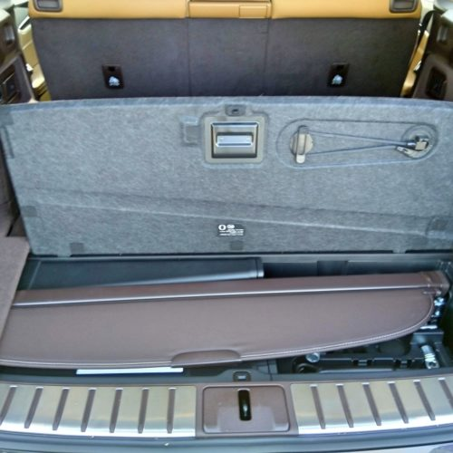 Lexus 450RhL zezadu kufr otevřený3