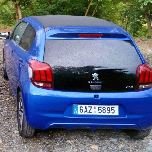 Peugeot 108_zezadu