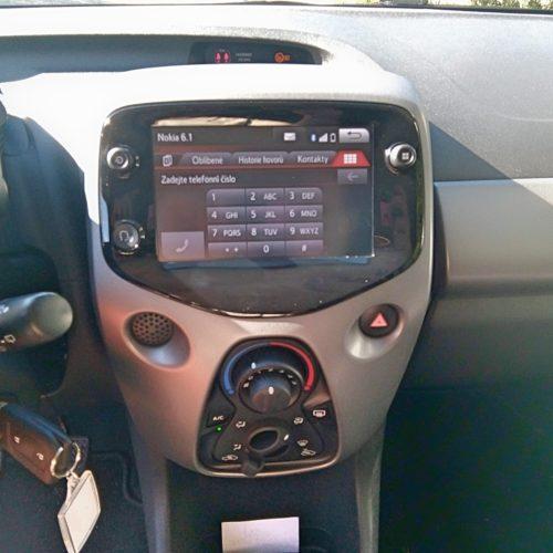 180813_Toyota Aygo_prostřední panel
