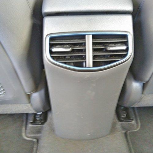 Hyundai Ioniq Hybrid prostřední sloupek zezadu