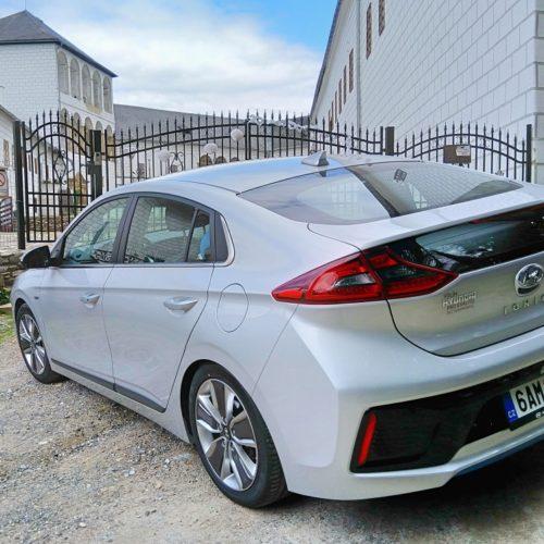 Hyundai Ioniq Hybrid zezadu bok 3