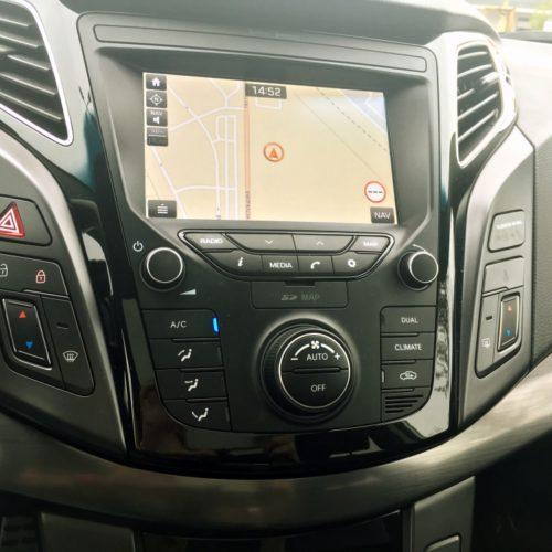 Hyundai i40 řadicí panel