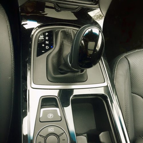 Hyundai i40 řadicí páka