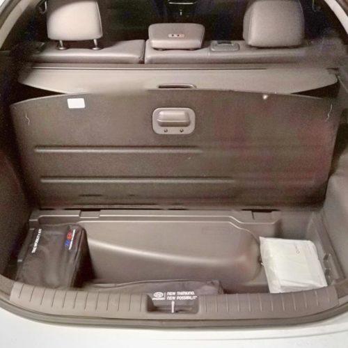 Hyundai Ioniq plug-in hybrid kufr pod podlážkou