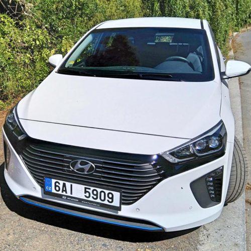 Hyundai Ioniq plug-in hybrid zepředu