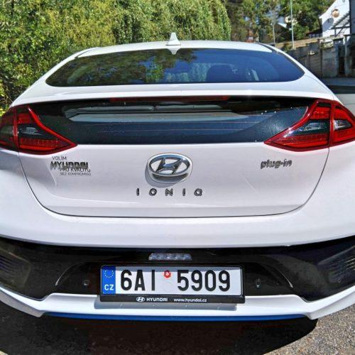 Hyundai Ioniq plug-in hybrid zezadu