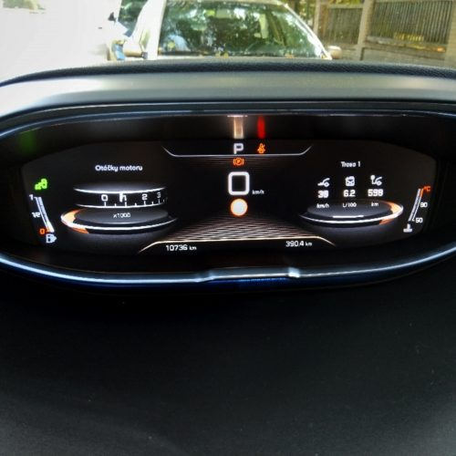 Peugeot 3008_přístrojovka