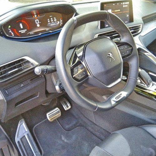 Peugeot 3008_přední sedadla3