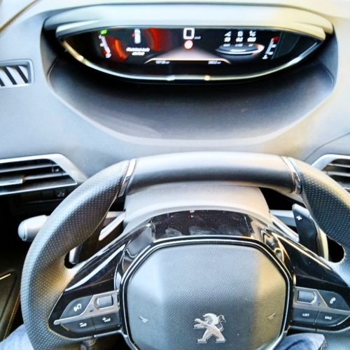 Peugeot 3008_palubka