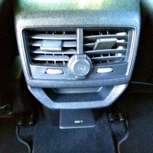 Peugeot 3008_výdechy vzadu