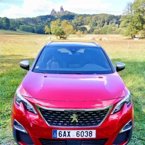 Peugeot 3008_zepředu