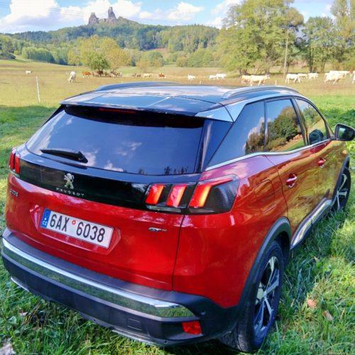 Peugeot 3008_zezadu bok pravý