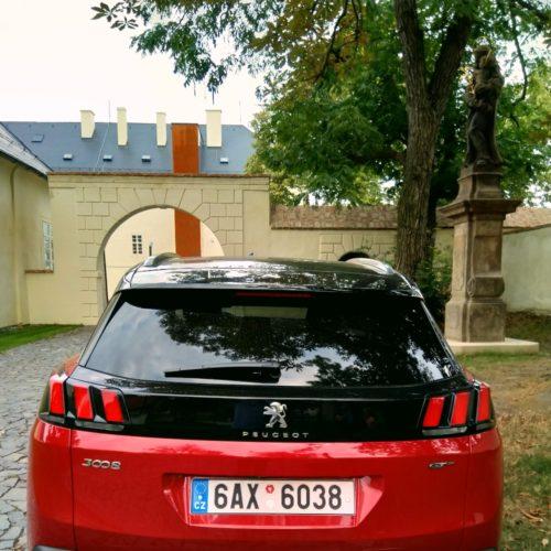 Peugeot 3008_zezadu2