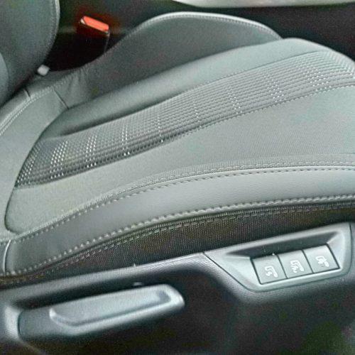 Peugeot 308 přední sedadlo nastavení
