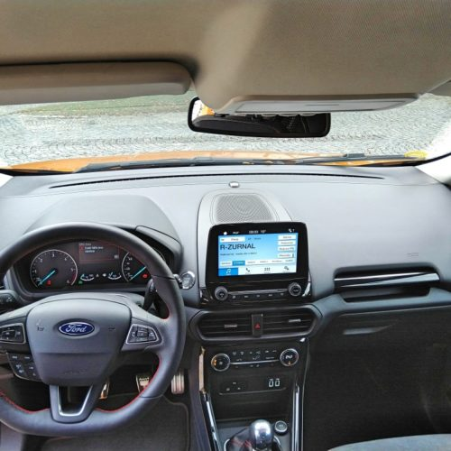 Ford EcoSport přístrojovka