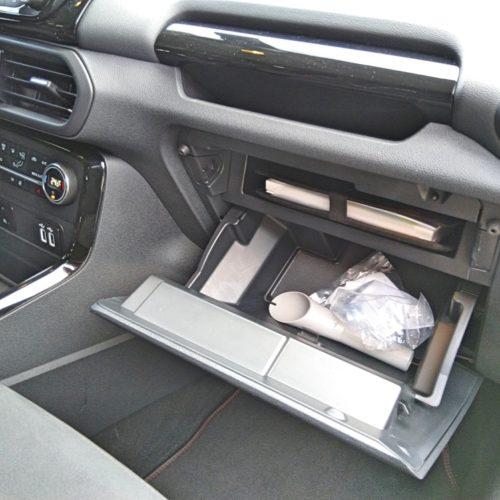 Ford EcoSport přední schránka