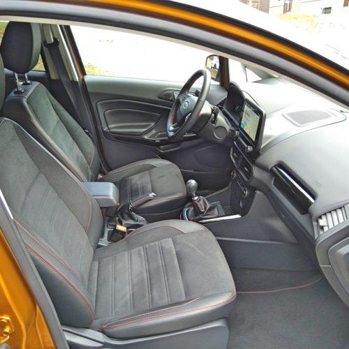 Ford EcoSport přední sedadla