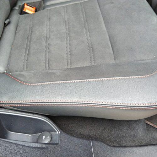 Ford EcoSport zadní zásuvka