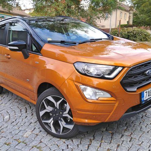 Ford EcoSport zepředu bok