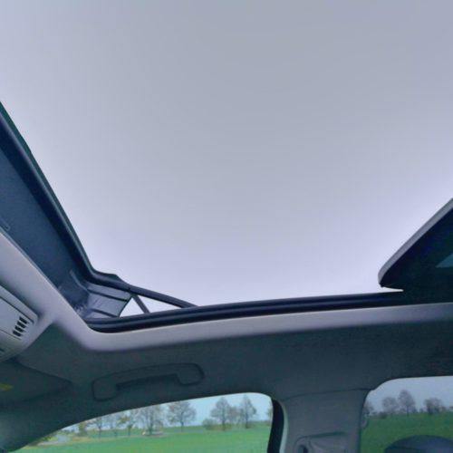 Volkswagen Tiguan střecha zevnitř