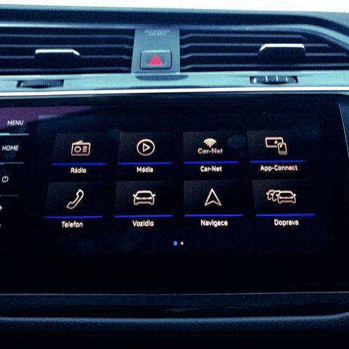 Volkswagen Tiguan střední panel