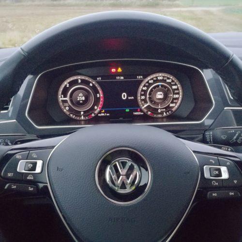 Volkswagen Tiguan volant