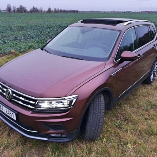 Volkswagen Tiguan zepředu levo střecha