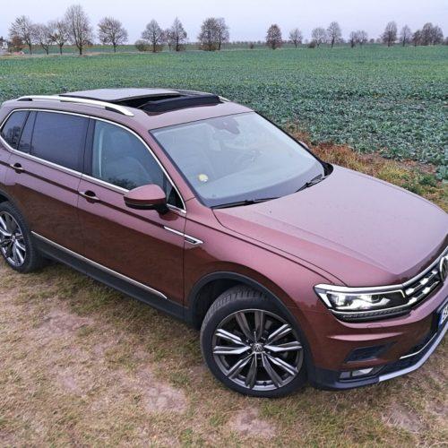Volkswagen Tiguan zepředu pravo střecha